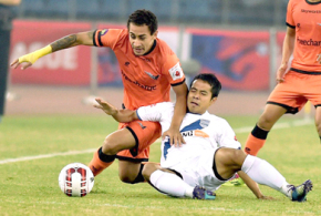 Oranje army condemn Mumbai to bottom
