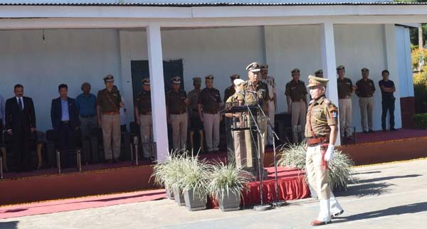 State DGP, LL Doungel paying homage to the martyrs on the occasion of Police Commemoration Day at New Police Reserve, Tennis Court, Phesama, on October 21.