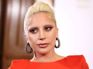 landscape-1449878341-lady-gaga-british-fashion-awards-2015