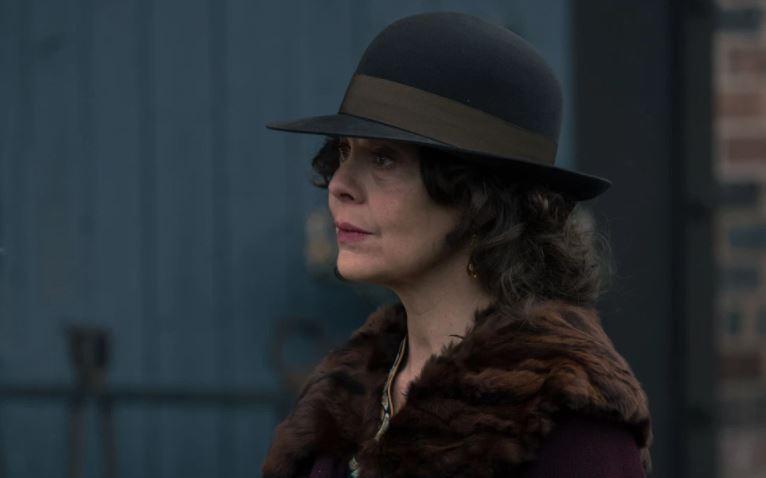 Peaky Blinders actor Helen McCroy dies of cancer, aged 52 ...