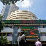 Sensex plunges over 800 pts in early trade; bank stocks crack