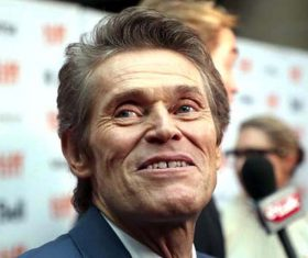 Willem Dafoe finds it hard to bond with Robert Pattinson