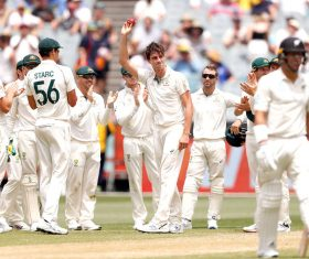 Peerless Cummins puts Australia in driver's seat in Boxing Day Test